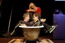 """Nederland, Alphen aan de Rijn, 2004Thomas Acda en Paul de Munnik, repetitie rock opera """"Ren Lenny, Ren' Met Bracha van DoesburghFoto Bob Bronshoff"""